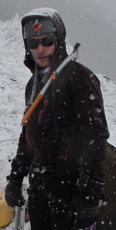 وحید طهوری – مسئول کارگروه یخنوردی و درایتولینگ باشگاه کوهنوردی و اسکی دماوند
