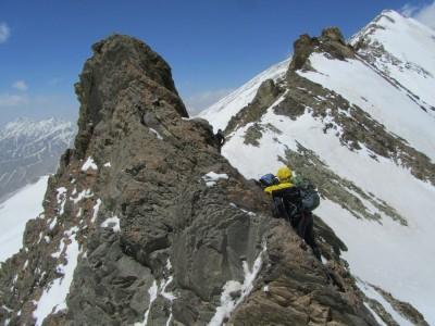 گزارش صعود به قلهی خلنو