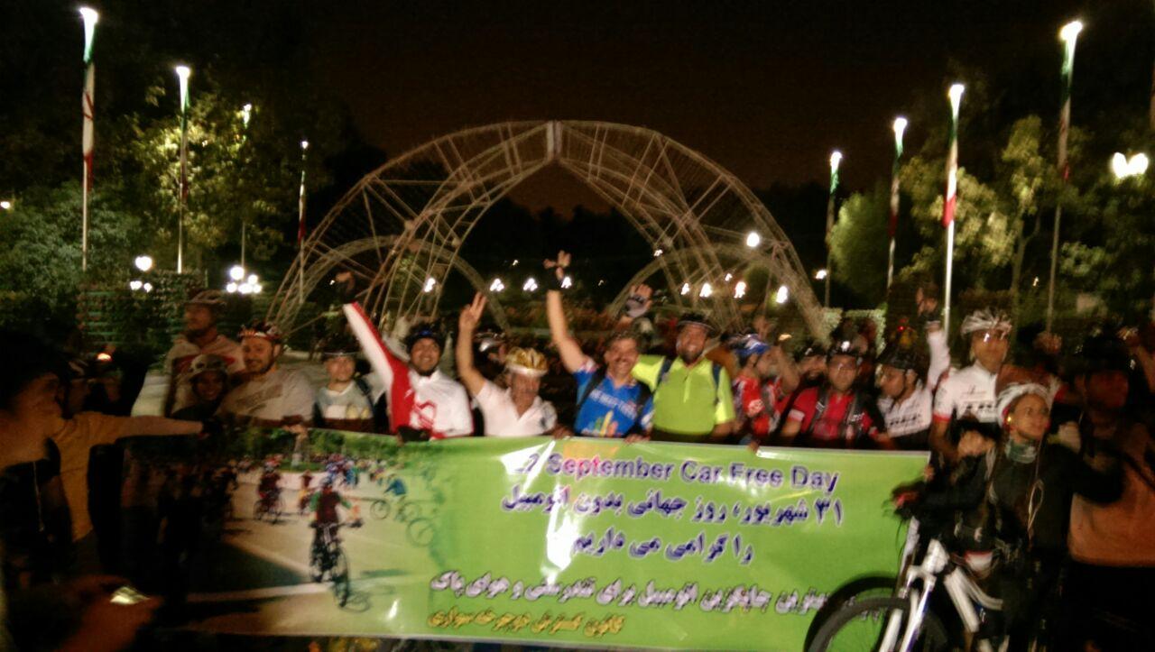 رکاب زنی دوچرخه سواران تهران در روز جهانی بدون اتومبیل