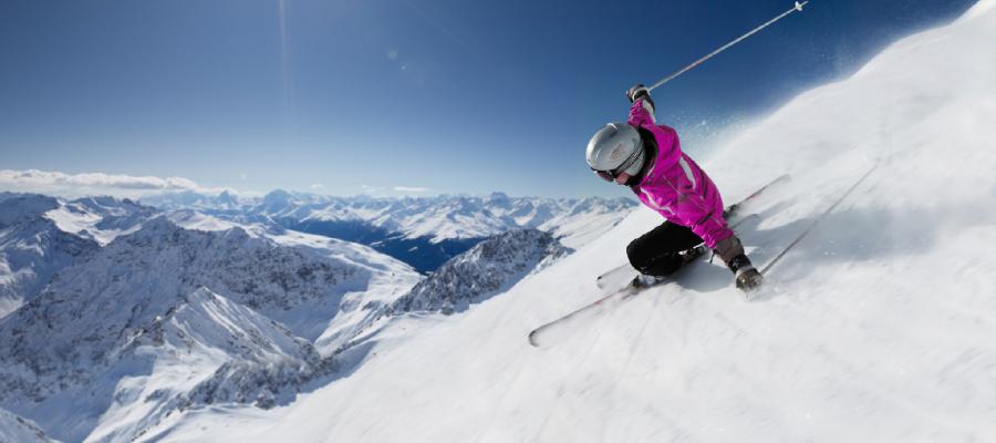 header-skifahrer
