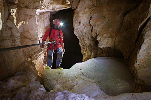 محیط زیست غارها و پیشرفت های علمی و فرهنگی در غارنوردی ایرانی ها