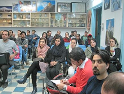 برنامه نشست هفتگی باشگاه در دوشنبه ۳ خرداد