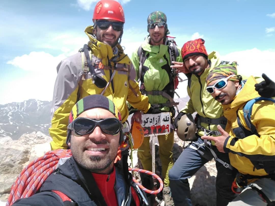 صعود به قله آزادکوه از مسیر گرده شرقی
