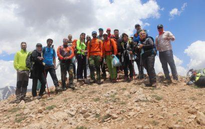 صعود به قله آبک توسط اعضا آزمایشی