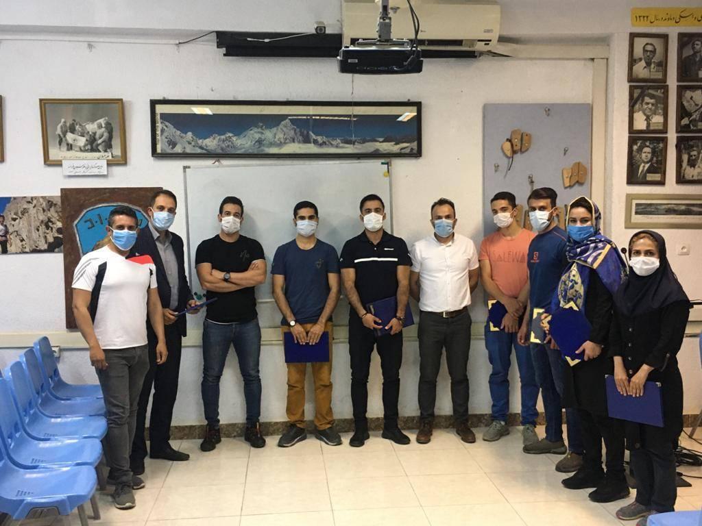 تجلیل از اعضا باشگاه که درمنطقه علم کوه فعالیت داشتند